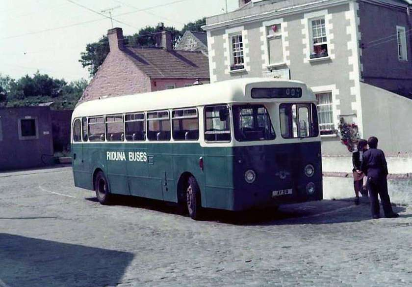 1960 Leyland PSUC1-1 with Weymann B45F body ay59