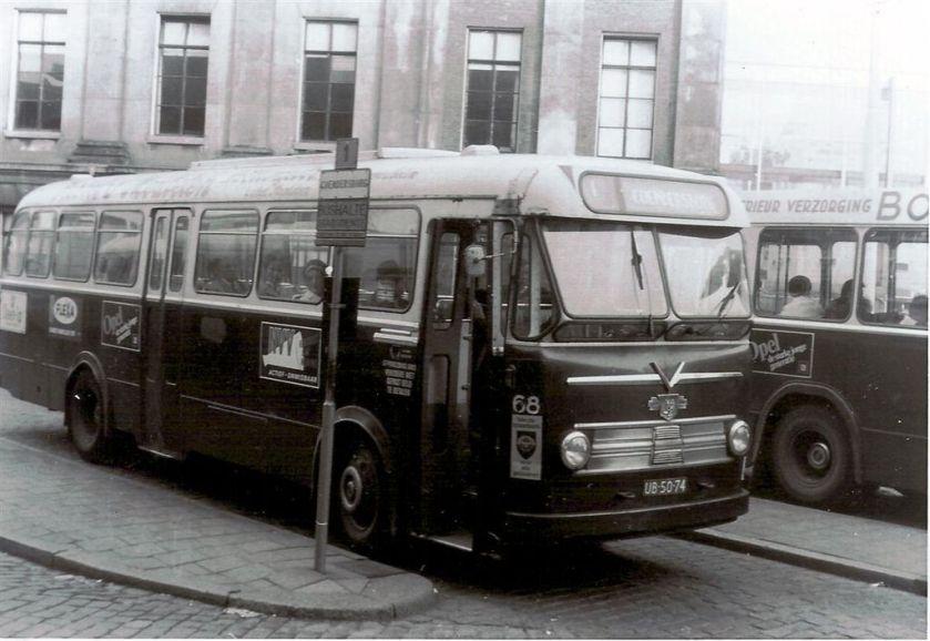 1961 Leyland-Verheul stadsbus 68, GVG, Groningen.