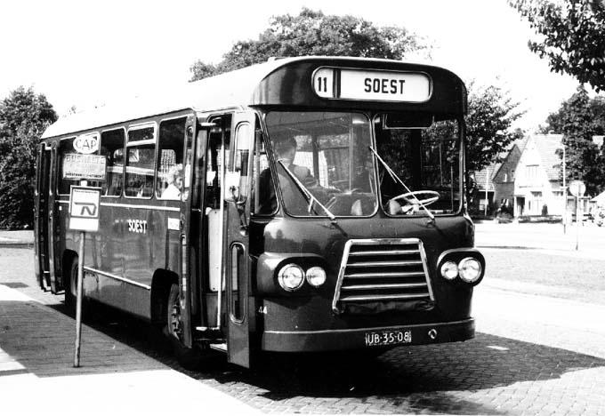 1961 Volvo Den Oudsten lijnbus 44 instap voor de vooras Diesel
