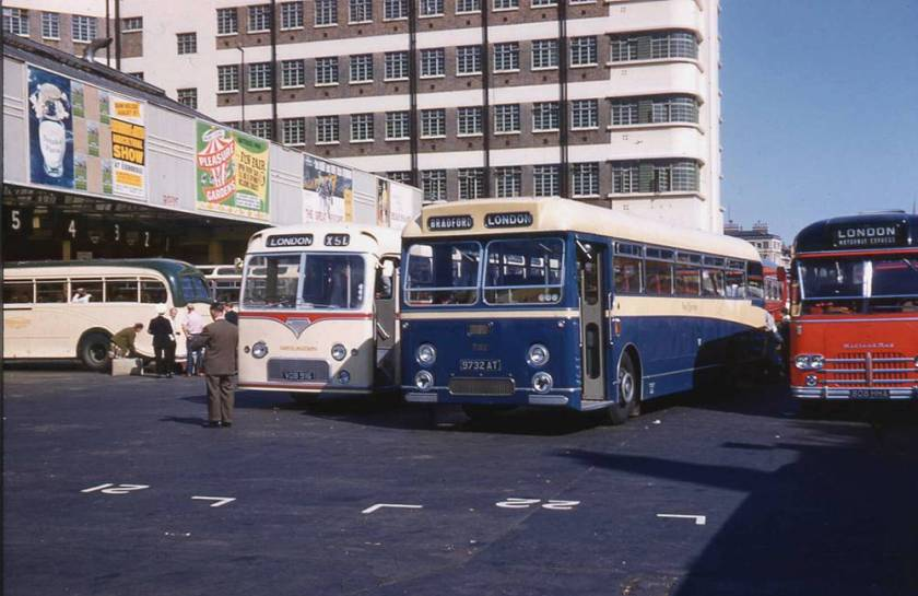1962 Willowbrook DP47F bodied Leyland PSU3-3RT Leopard