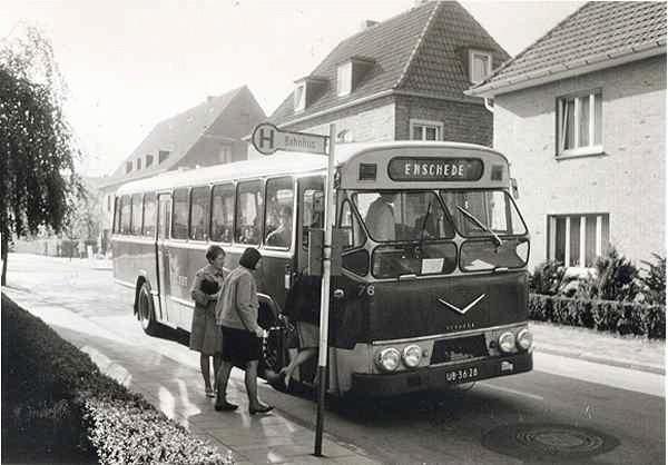 1965 AEC met carrosserie van Verheul. Opname 1970 te Epe Duitsland. Halte Postkantoor