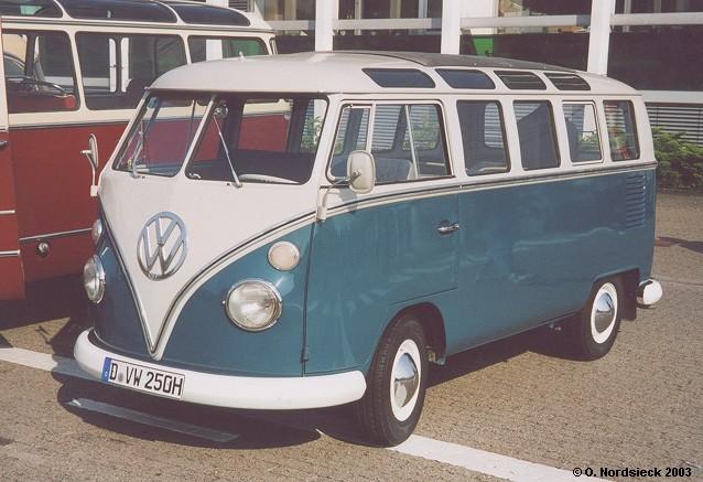 1967 VW T1b Samba-Bus