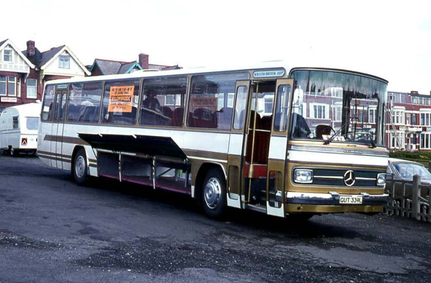 1972 Mercedes-Benz 0302 LHD chassis with a Willowbrook '007' C51D body