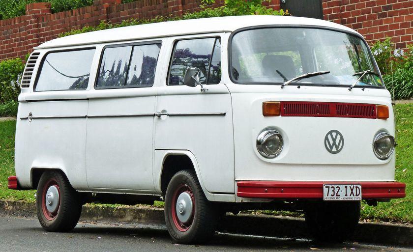1973-1980 Volkswagen_Kombi_(T2)_van_01