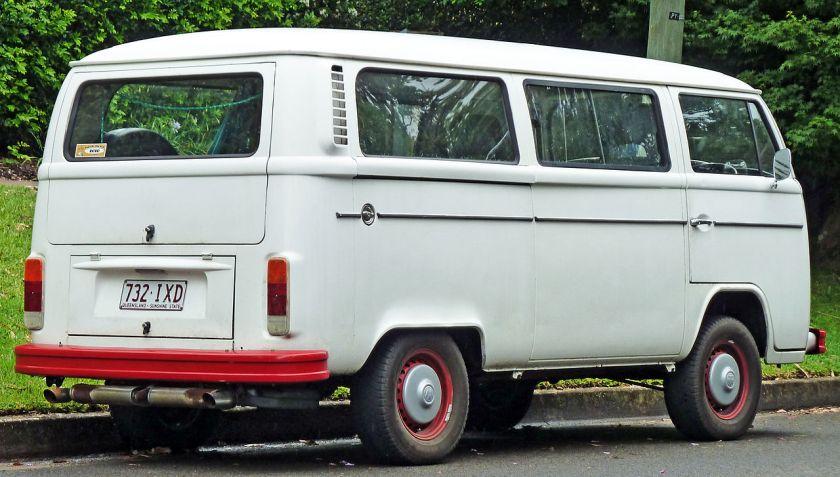 1973-1980 Volkswagen_Kombi_(T2)_van_02