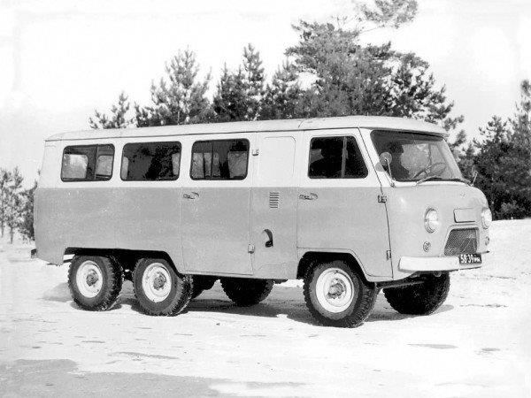 1973 UAZ-452 experimental 6x6 12s