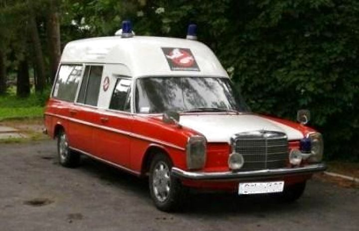1974 Mercedes-Benz Ambulanse 240D VBK