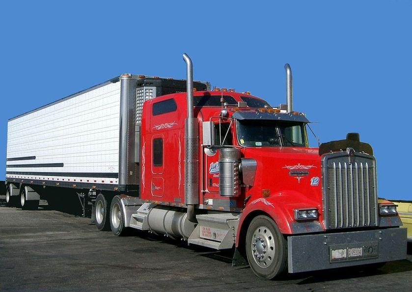 2007 Kenworth W900 semi in red