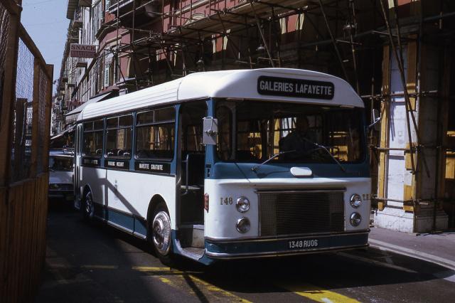 autobus bleu Verney Ratp Nice