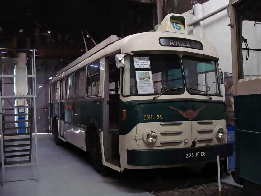 Berliet Vetra 325 JE 06