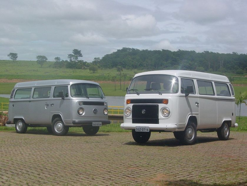 Brazilian_Kombi_pair water and air cooled