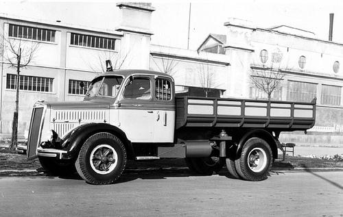 Camion Lancia Esatau Viberti