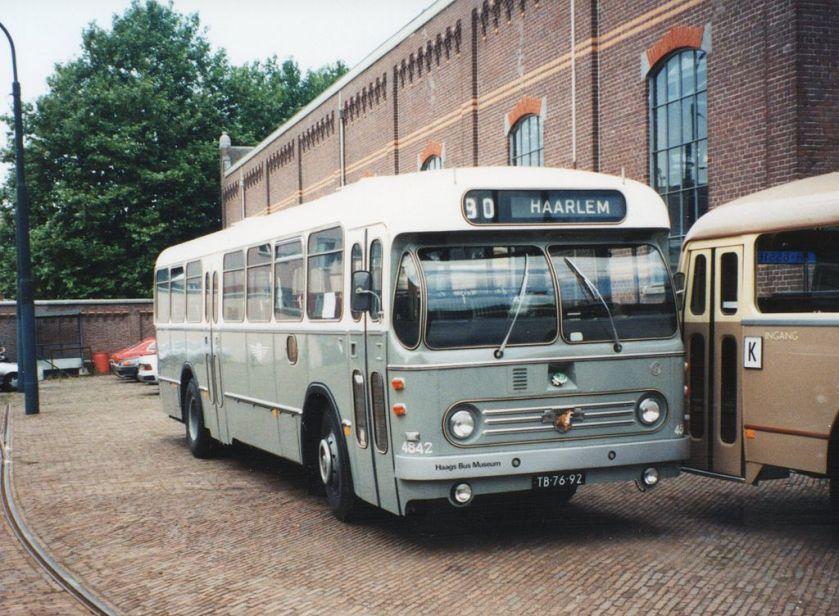 Leyland-Werkspoor LE-WS streekbus met zelfdragende carrosserie van NZHVM.