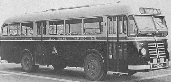 serie 21-30 DAF type B 425-B  Daf nr. 29 met carrosserie van Verheul met 30 zit-en 16 staanplaatsen