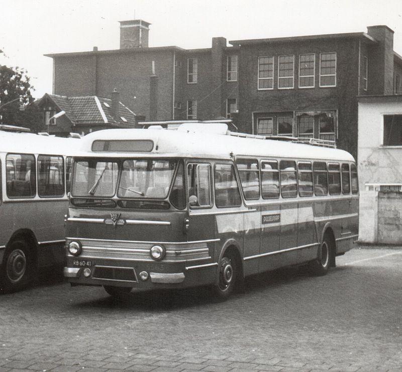 Special Holland Coach, Leyland-Verheul bus 5563 van de VAD in de kleuren van het touringcarbedrijf Dusseldorp.
