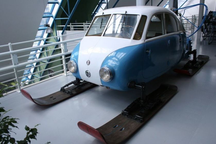 Tatra 011