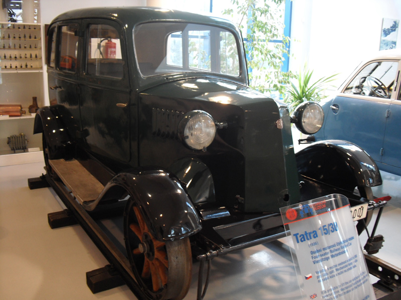 Tatra 15-30 railauto