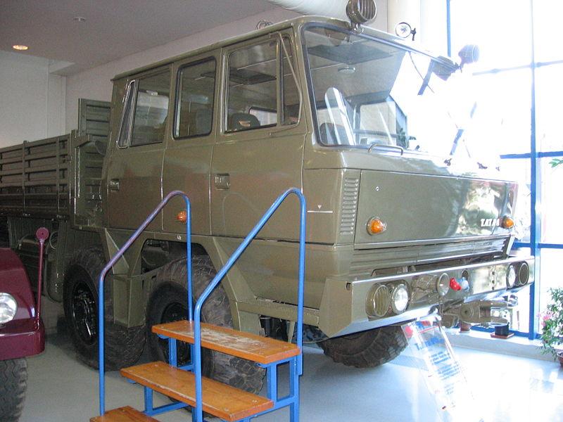 Tatra 815 militaire vrachtwagen, gebasseerd op Tatra 813