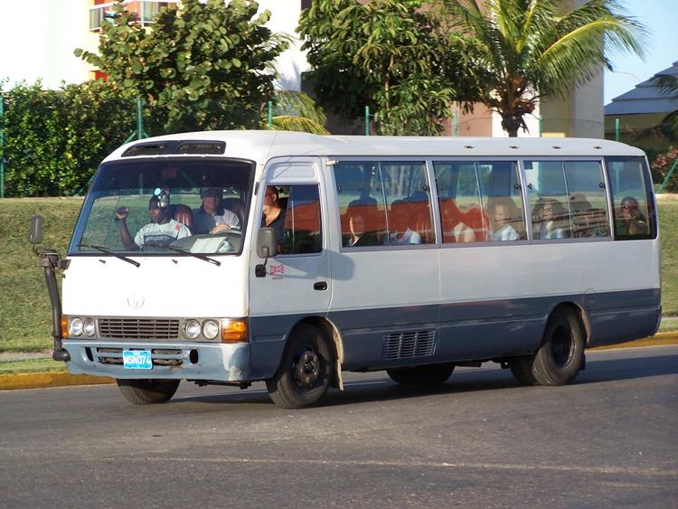Toyota Coaster Cuba