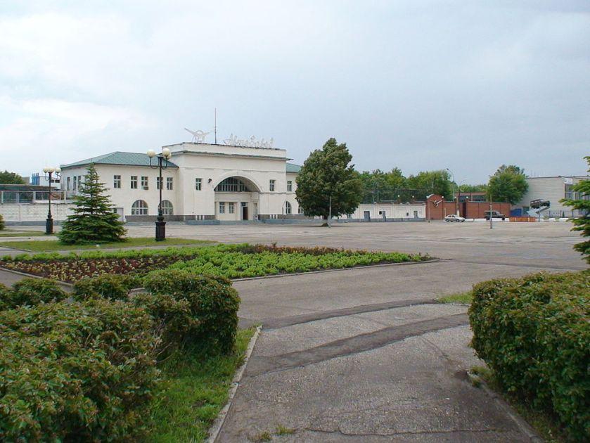 Ulyanovskiy Avtozavod UAZ main entrance a