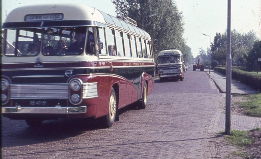 Van Gog 53 en 52 achteraan 1962 Volvo