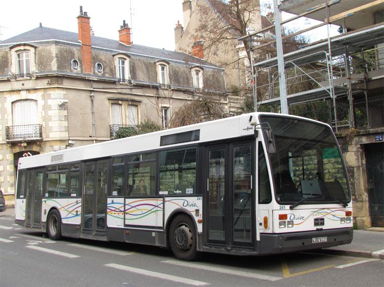 Van Hool A 330 - Divia - Dijon