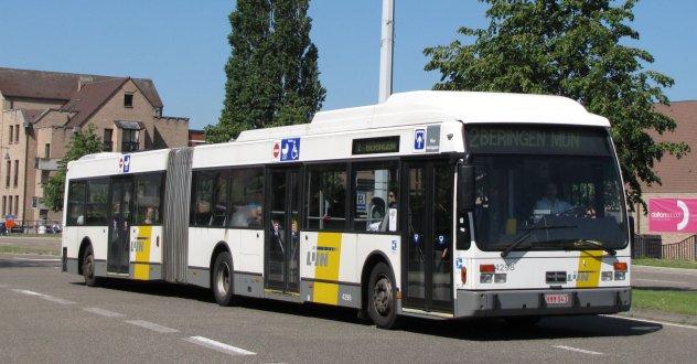 VAN HOOL AG300 de Lijn