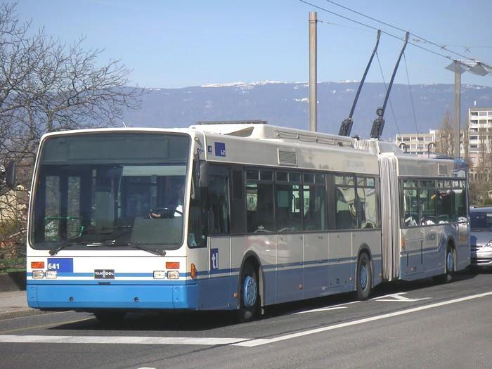 VAN HOOL AG300T.