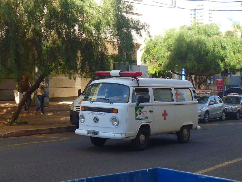 Volkswagen_T2_Ambulance