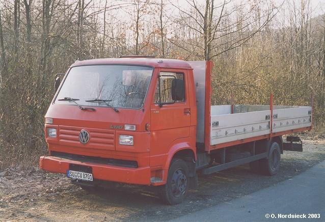 VW-L80-Pritschen-Lkw-rot