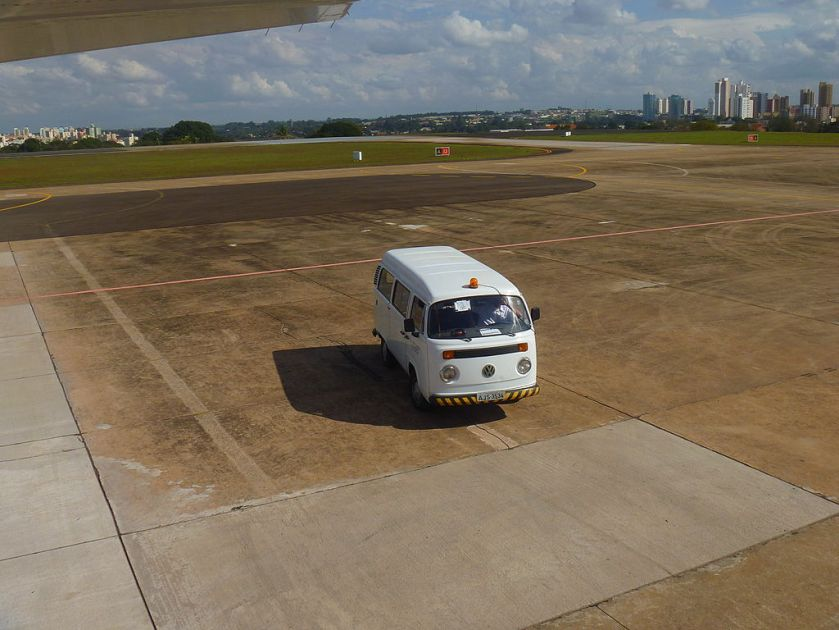 VW_T2_Airport