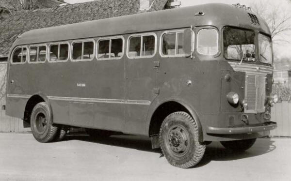 Western Flyer Coach T-28
