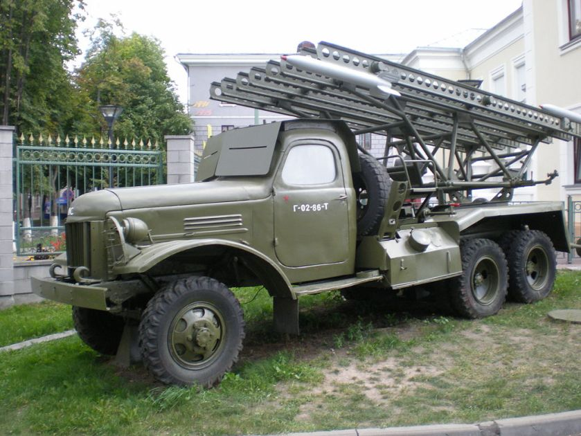 19 BM-13-16_on_a_ZiS-151_chassis_in_a_military_museum_in_Belarus