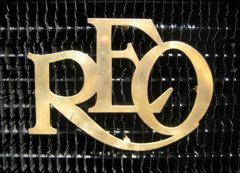 1909 reo grill emblem