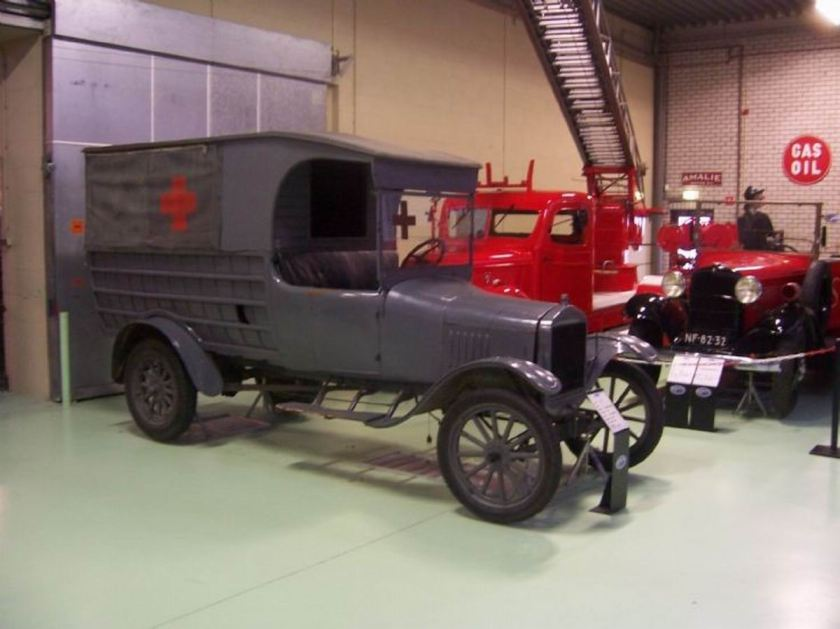 1915 Ford ambulance NL