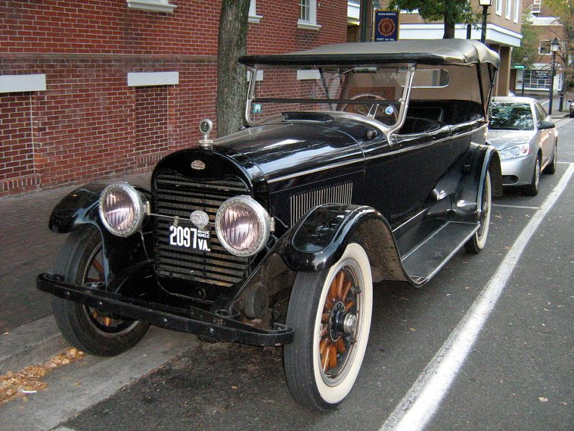 1922 Lincoln L series Touring Sedan