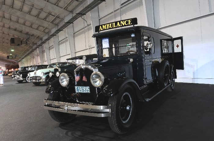 1928 Chevrolet ambulance 700