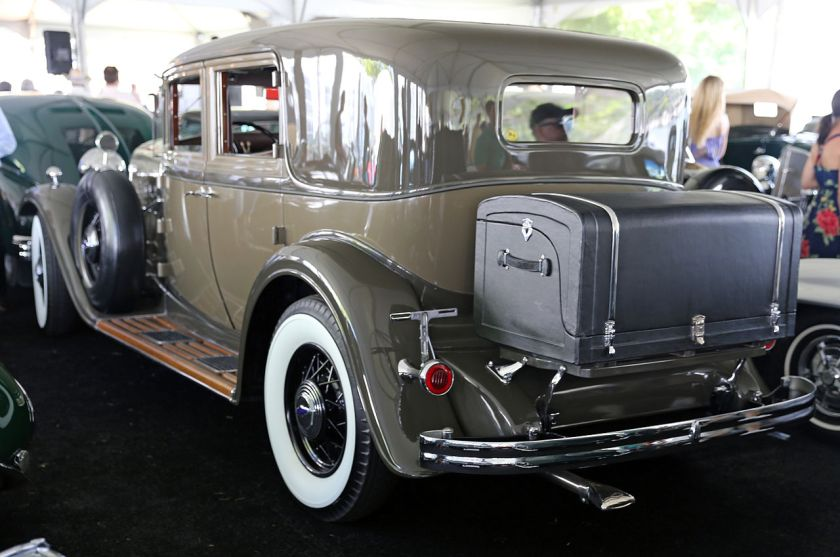 1932 Lincoln KB Town Sedan, bodystyle 234A