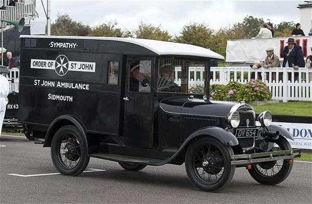 1932 vintage-ford-ambul_2002499i