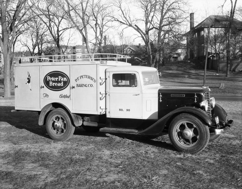1934 Diamond T Model 211