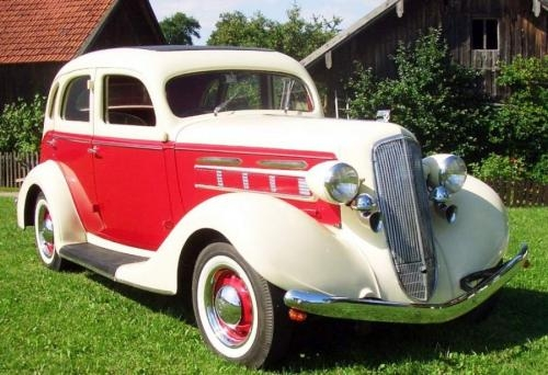 1935 REO Flying Cloud 6 cylinder Sedan