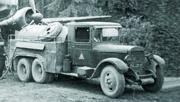 1935 ZIS-6 chassis, 6x6 BZ-35 bowser