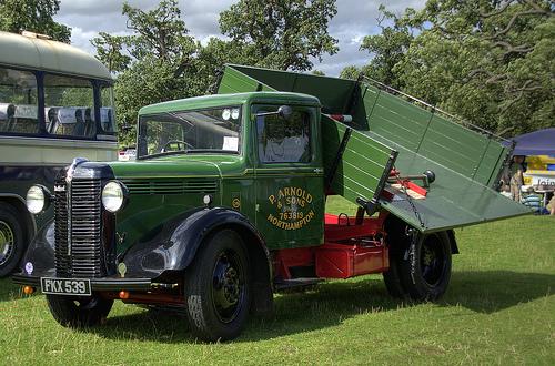 1936-40 Bedford W SERIES Trader service