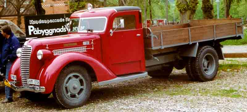 1937 Diamond T Truck red