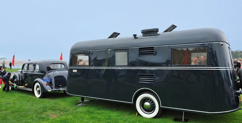 1937 Pierce Arrow + Travelodge