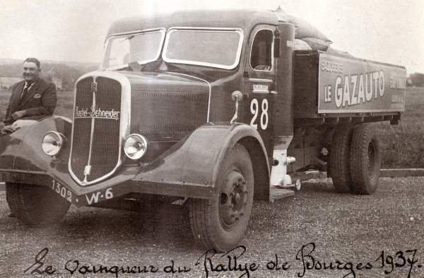 1937 ROCHET SCHNEIDER en gazogène, sur Paris, Bourge