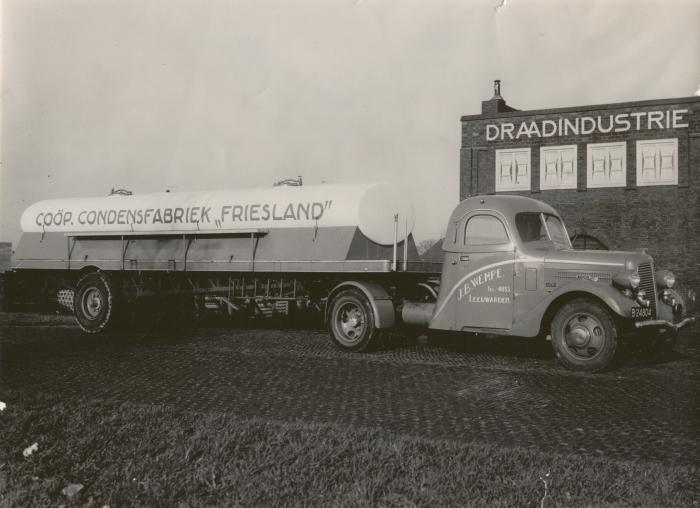 1938 Diamond-T trekker B-24804