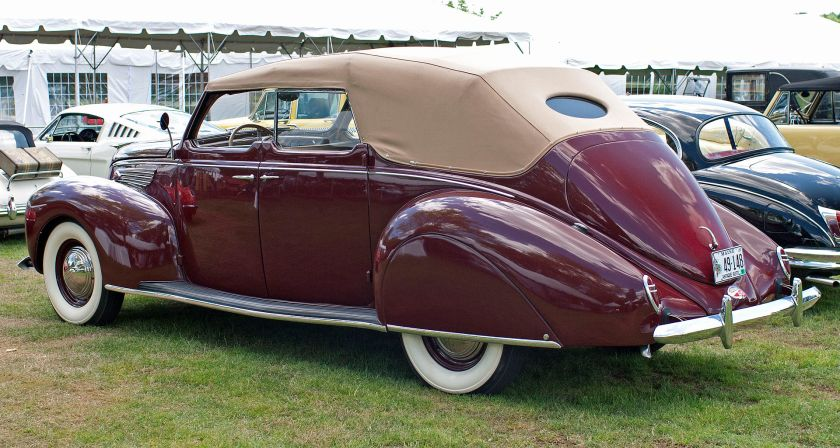 1938 Lincoln-Zephyr V-12 Convertible Sedan