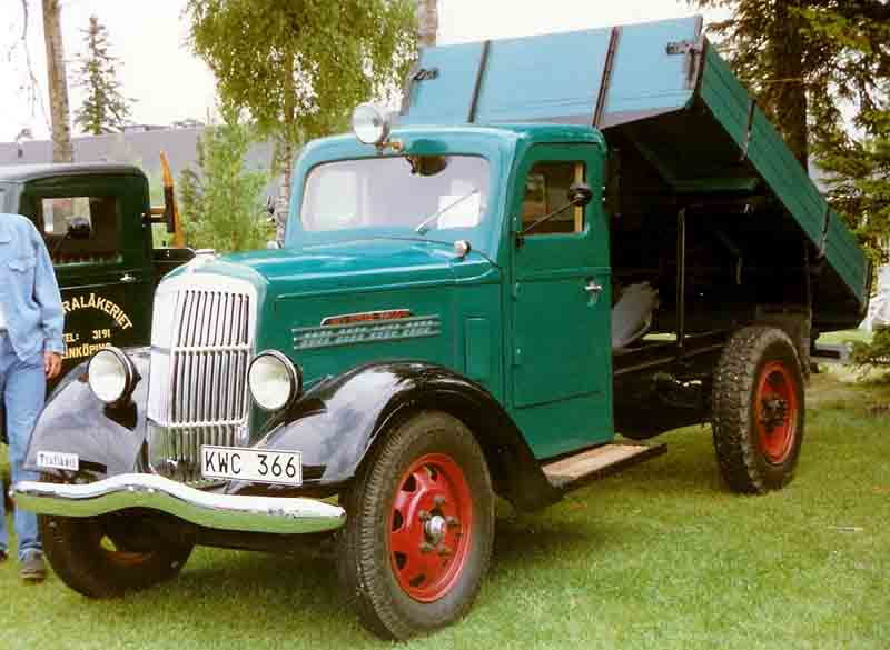 1939 REO Speed Wagon Truck