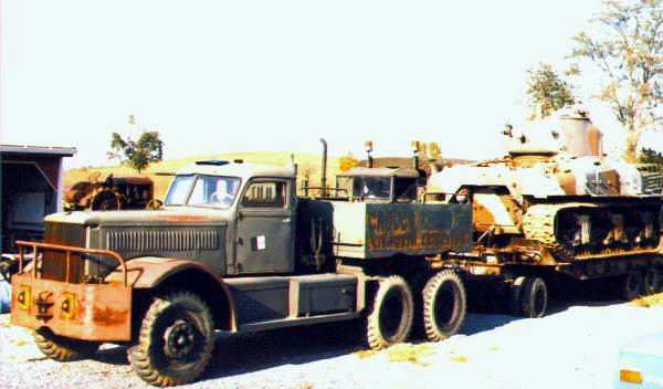 1941 Diamond T M19 with M9 trailer